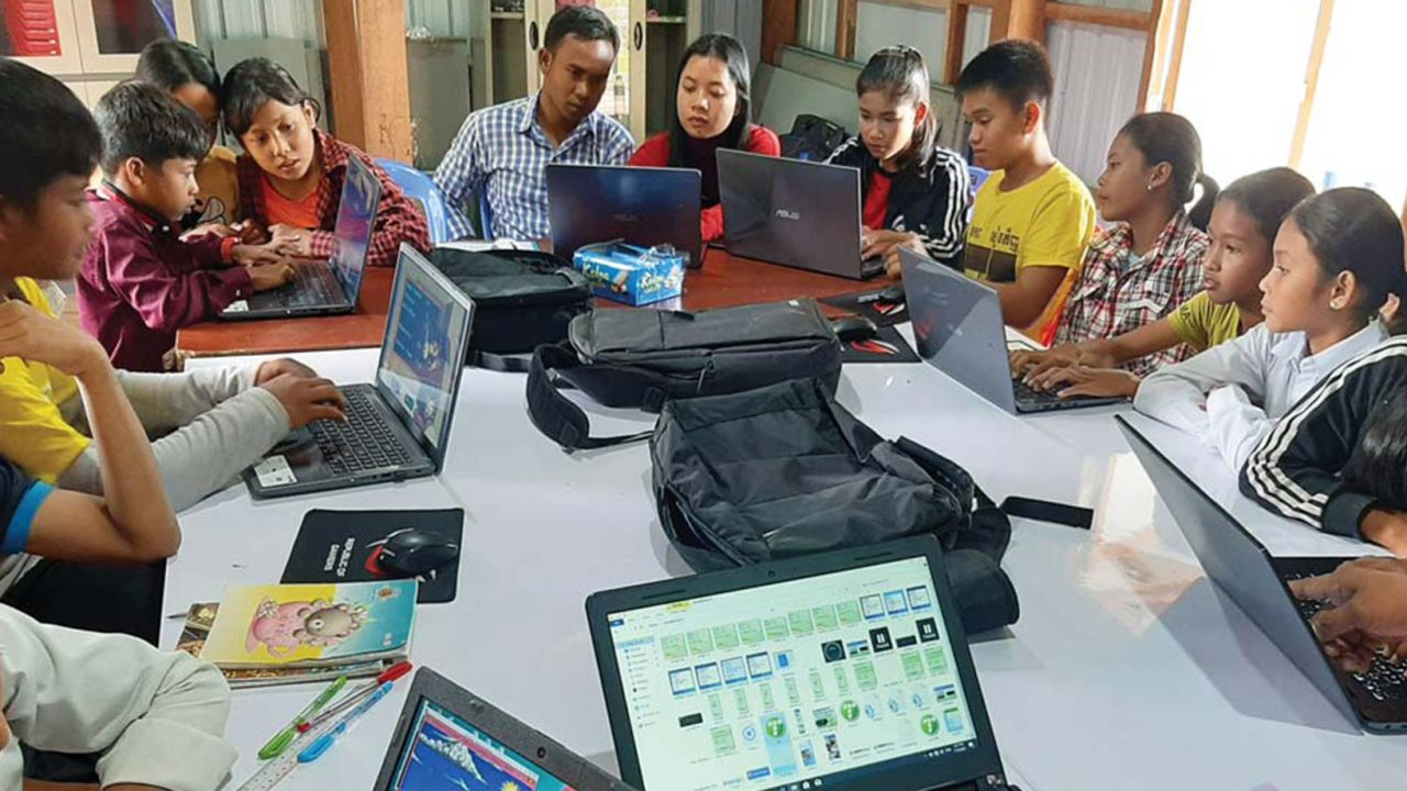 Children at Floating Area Gained Access To Computer and English Class